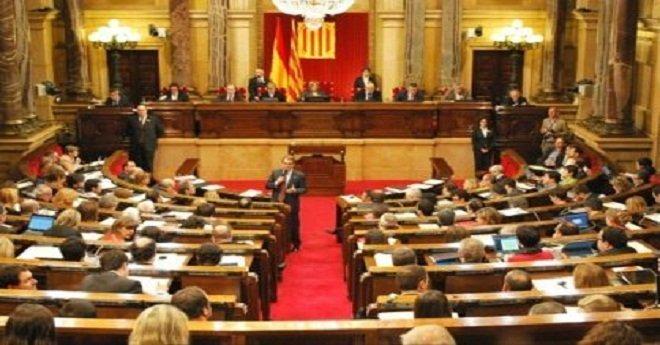 برلمان كطالونيا يجتمع اليوم والشكوك تخيم على مستقبل الإقليم