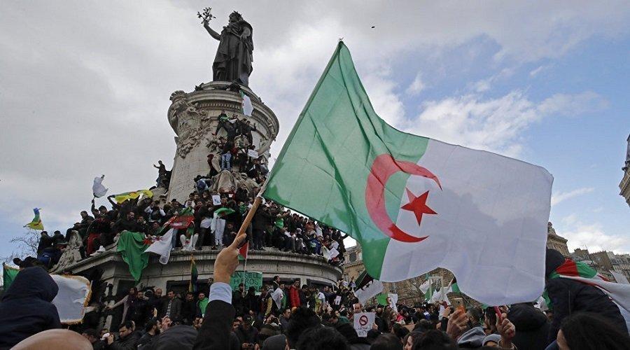 المعارضة الجزائرية : السلطة فقدت شرعيتها منذ 22 فبراير واستمرارها تعسفي