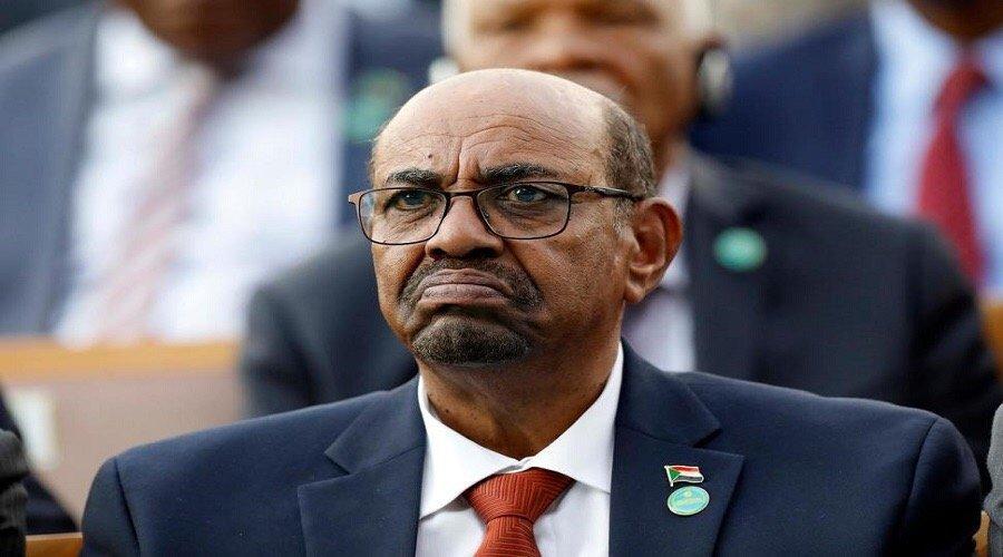 المحكمة الجنائية تُطالب السلطات السودانية بتسليم عمر البشير