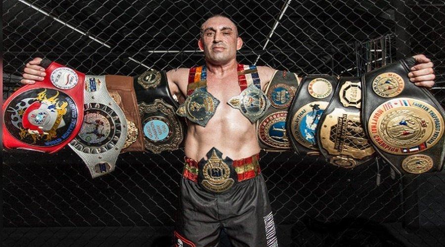 مصرع بطل العالم في الملاكمة بعد إطلاق النار عليه