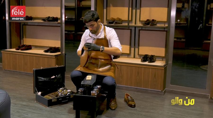 من والو: عندو الماستر وخدام سيرور ديال الصبابط.. تعرف على قصة شاب مغربي بدا من والو واختار مهنة تلميع الأحذية