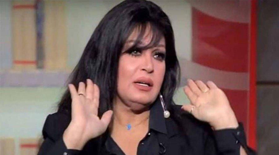 فيفي عبده تنفي اعتزال الرقص وارتداء الحجاب