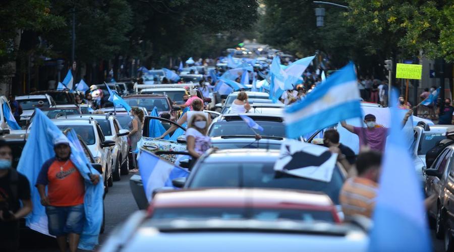 تظاهرات في الأرجنتين ضد التمييز في التطعيم ضد كورونا