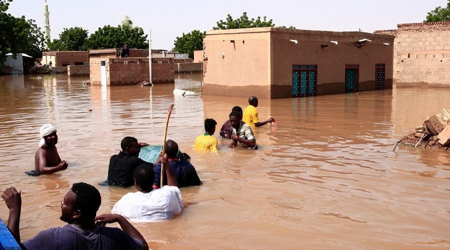 ارتفاع ضحايا السيول والفيضانات بالسودان إلى 102
