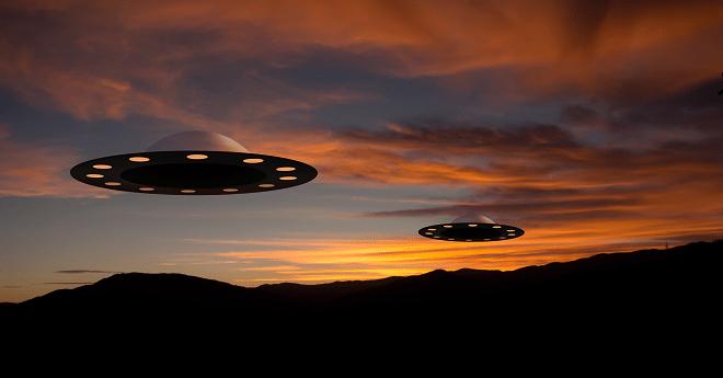 طيّارين أمريكيين يصادفان صحنا فضائيا فوق صحراء أريزونا
