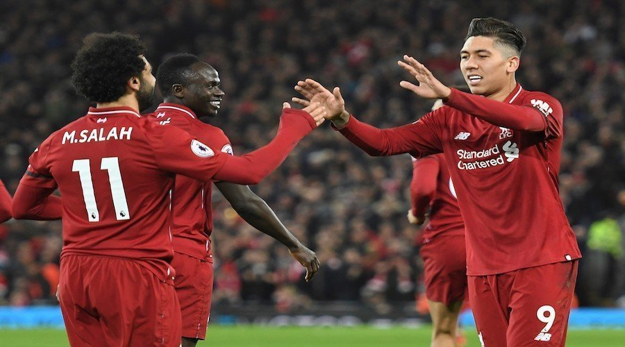 ليفربول يحدد ثلاثة لاعبين لتعويض صلاح وماني وفيرمينو