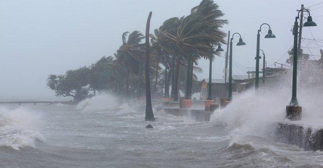 الإعصار أوكي يجتاح ساحل جنوب غرب الهند و يتسبب في مقتل 14 شخصا