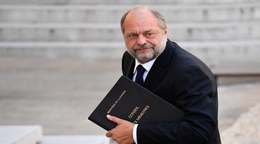 هكذا يعيش قضاة فرنسا كابوسًا بعد تعيين الوحش وزيرا للعدل