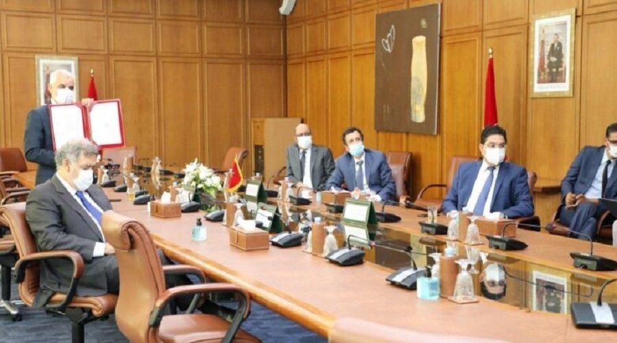 المغرب يوقع مذكرة لاقتناء لقاحات كورونا
