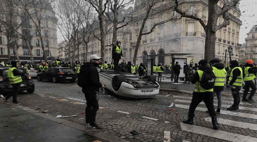 """عدوى """"السترات الصفراء"""" تصل بلجيكا والشرطة تعتقل العشرات"""