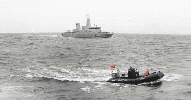 البحرية الملكية تكشف تفاصيل إطلاق النار على قارب يقل مهاجرين سريين