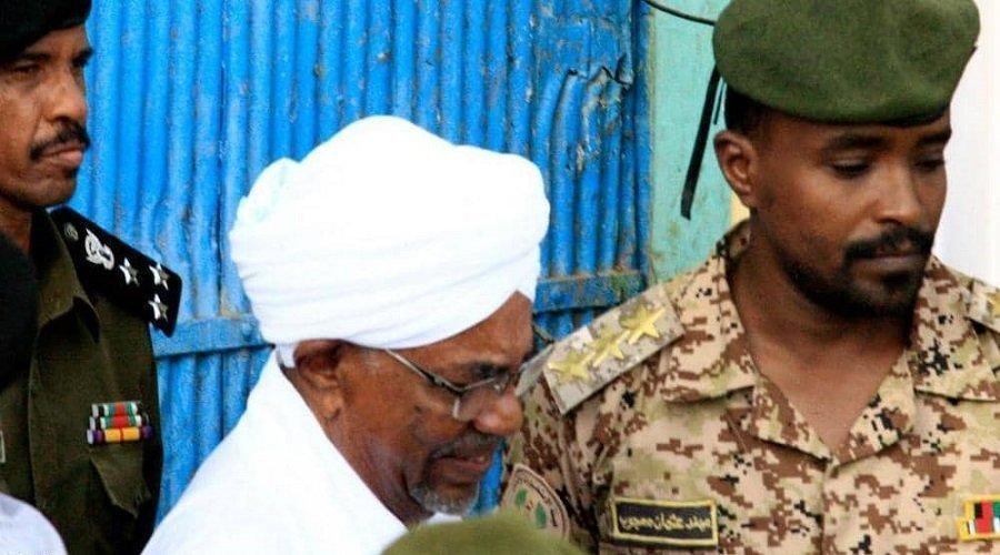 صحيفة سودانية تؤكد بث محاكمة البشير على الهواء مباشرة