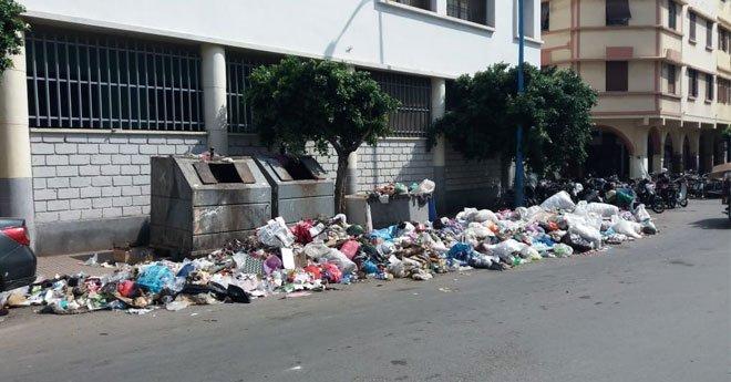 """شركة """"الدار البيضاء للخدمات"""" في ورطة بسبب صفقة الأزبال"""