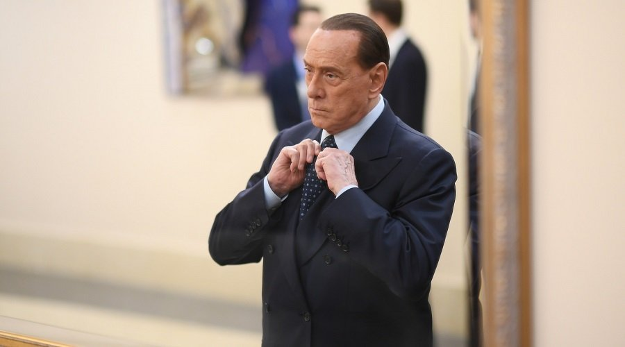 رئيس وزراء إيطاليا الأسبق برلسكوني يعلن إصابته بكورونا