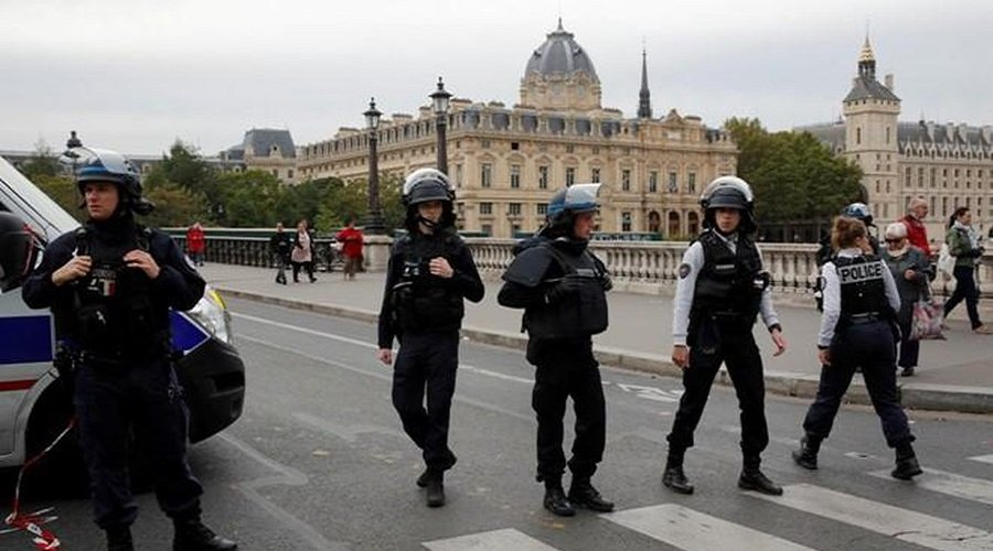 فرنسا ترفع درجة الحذر الأمني لهذا السبب