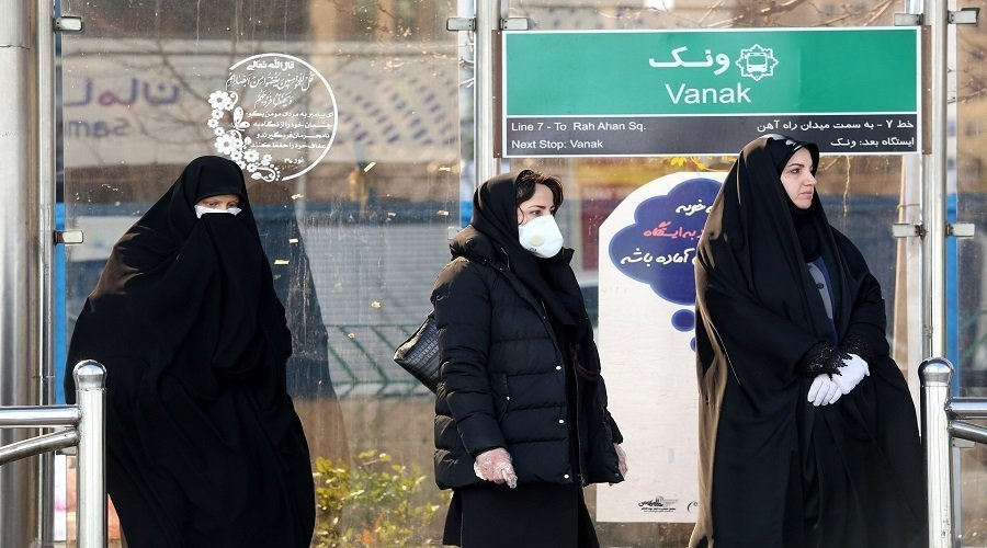 إيران ترفع قيود الحجر الصحي عن مواطنيها لتفادي انهيار الاقتصاد