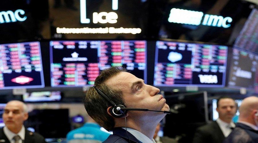 إصابة ترامب بكورونا تهوي بالأسهم العالمية