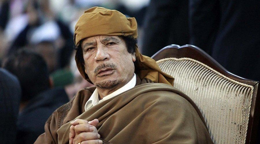قبل اغتياله بأيام.. القذافي خبأ ملايين الدولارات في منزل رئيس إفريقي