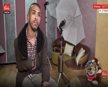 """تعرفوا على إسماعيل الذي تحدى الإعاقة وحقق حلمه ليصبح """"مصمم كرافيتي"""""""
