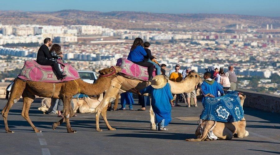 أكادير تستقبل أول مجموعة من السياح بعد أشهر من الإغلاق