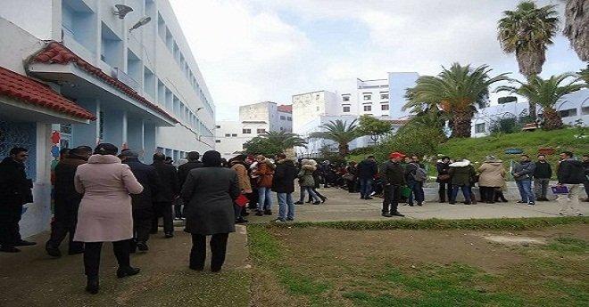 توقيف أساتذة هددوا بحرق أنفسهم بمقر وزارة التربية