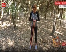 كلثوم اضمير:  تمارين رياضية للجزء السفلي من الجسم باستخدام الحبل المطاط