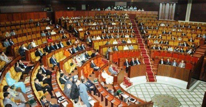 """أزمة خطيرة بالفريق البرلماني لـ""""البيجيدي"""" بسبب تقاعد  البرلمانيين"""