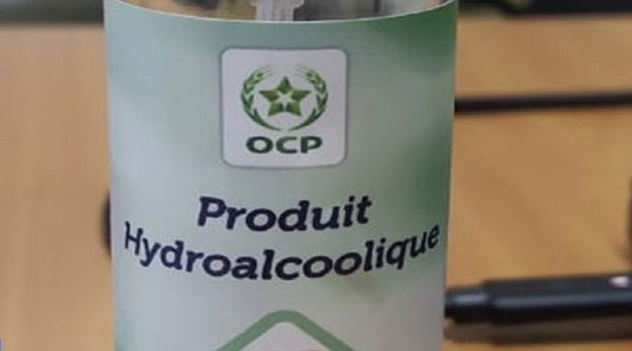 فريق من OCP يطور منتوجا معقما لليدين ولأدوات العمل من أجل الاستخدام الداخلي