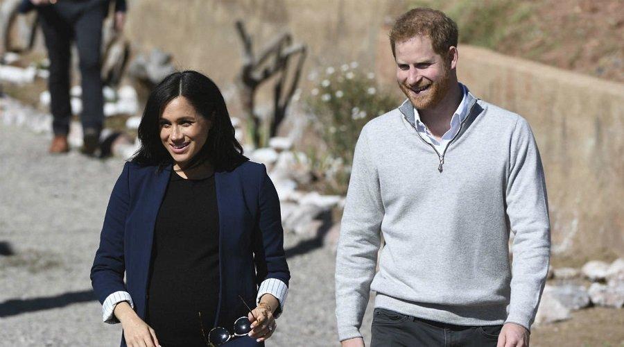 الأمير هاري وميغان ماركل يتنازلان عن أدوارهما الملكية