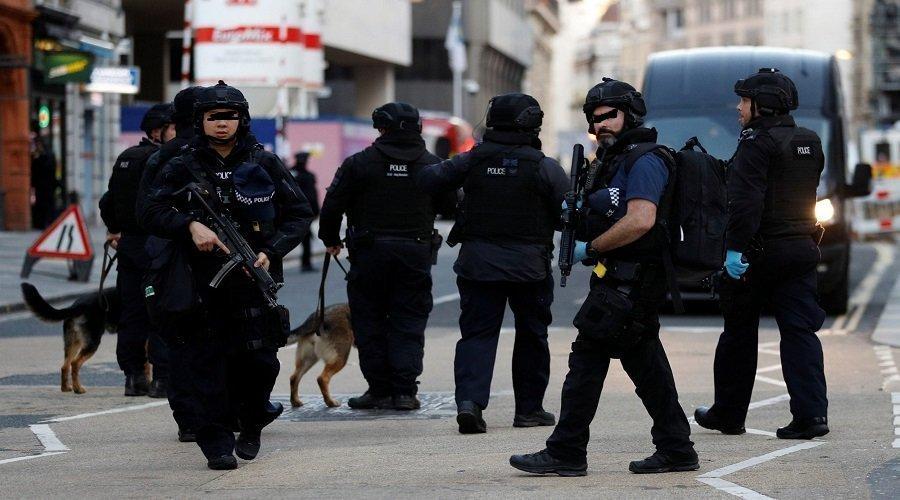 الشرطة البريطانية تلاحق سيارة دهست أشخاصا بلندن