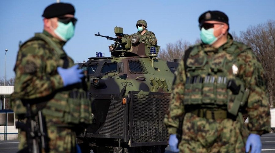الجيش البريطاني يواجه كورونا بطارد الحشرات