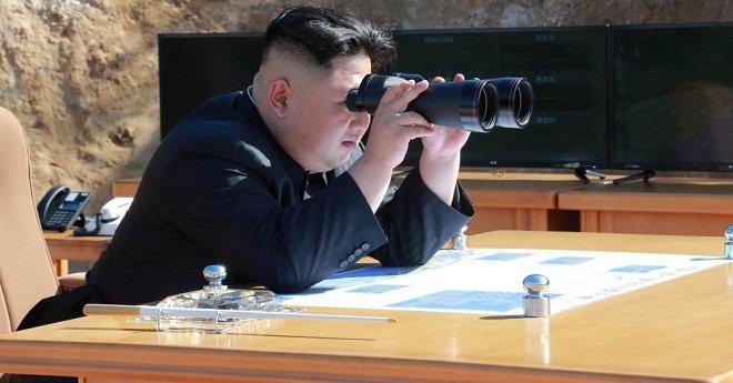 بالفيديو: زعيم كوريا الشمالية يشهد إطلاق أحدث صواريخها