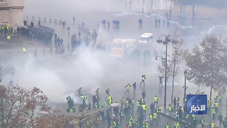 صدامات وأعمال عنف بباريس تخلف نحو 90 جريحا والشرطة تعتقل عشرات الاشخاص