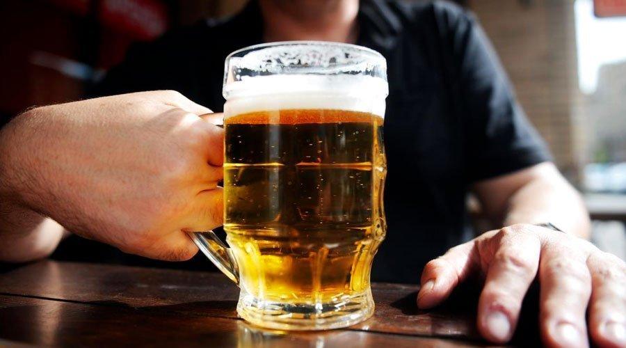الكحول يهدد كبد المدمنين على تناوله