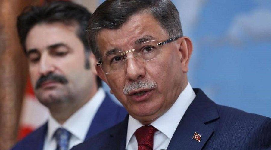 داود أوغلو يعلن استقالته من حزب أردوغان