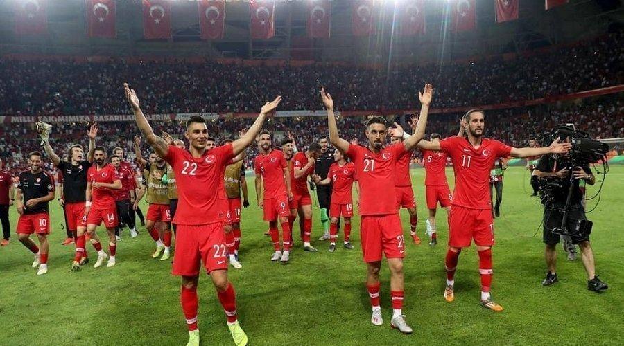 """تركيا تحتج رسميا على إيسلندا بعد """"الإساءة"""" إلى منتخبها لكرة القدم"""