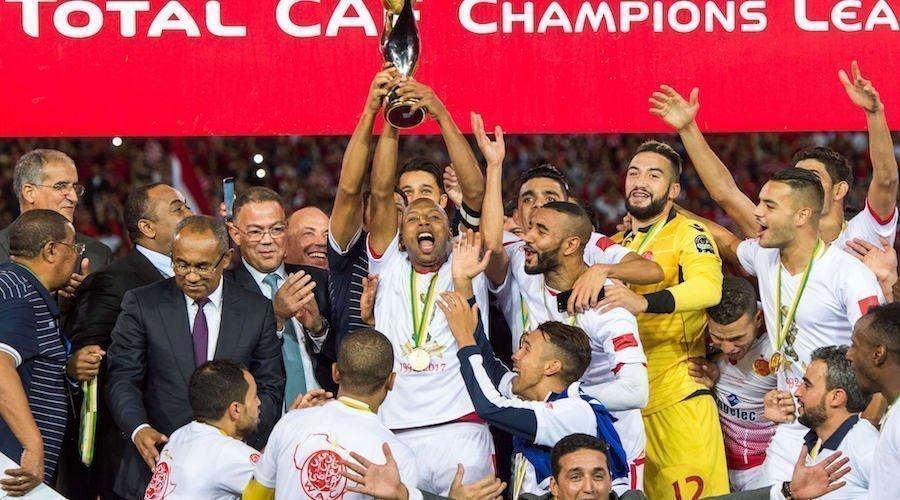 الأندية المغربية تحمل جامعة الكرة إلى صدارة إفريقيا