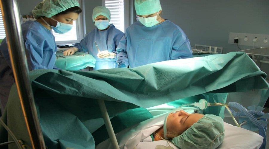 المغربيات ممنوعات من الولادات القيصرية لهذا السبب