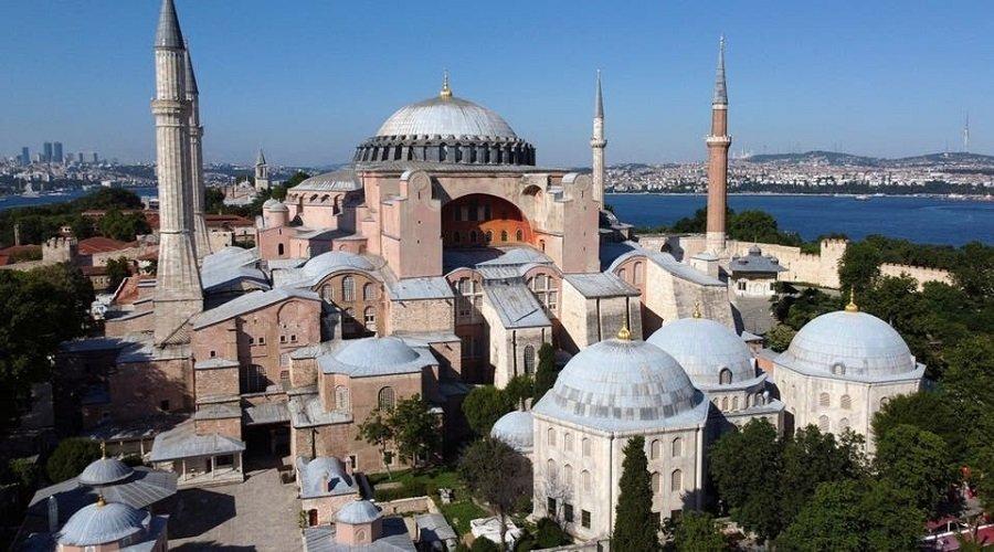 تحويل السلطات التركية آيا صوفيا من متحف إلى مسجد يخلق جدلا عالميا