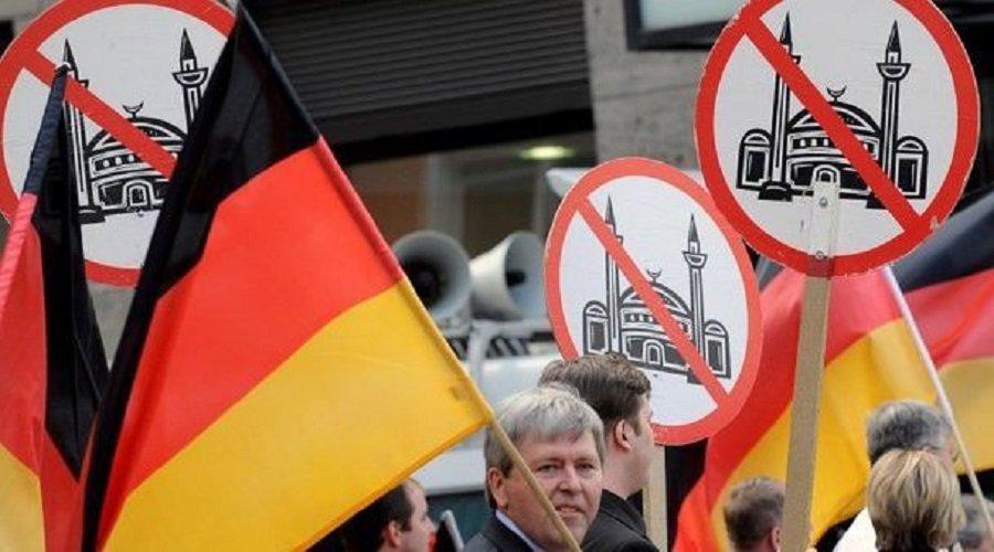"""دراسة : نصف الألمان يرون الإسلام """"تهديدا"""" لبلادهم"""