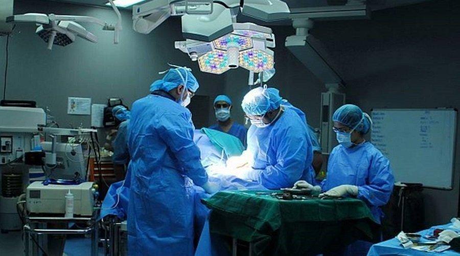 مصحة بالبيضاء تقترح على أسرة شاب التنازل عن قلبه وكليته مقابل 23 مليون