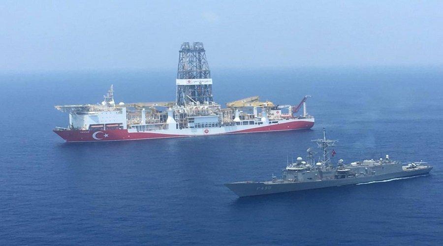 تركيا تسحب سفينة تنقيب وسفن حربية من شرق المتوسط