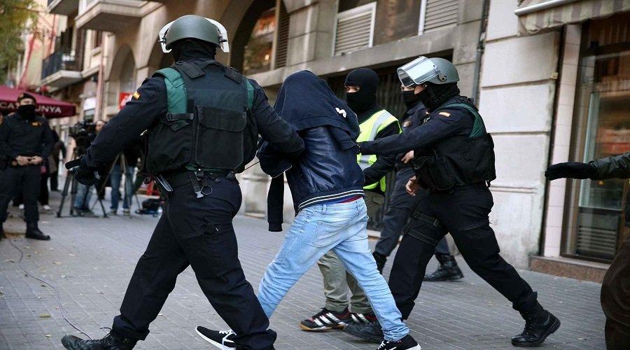 اعتقال مغربي بإسبانيا بسبب الإشادة بداعش