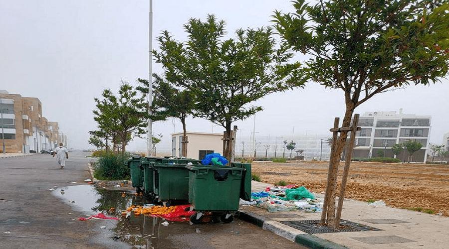 الأزبال والنفايات تغزو أزقة مارينا سلا
