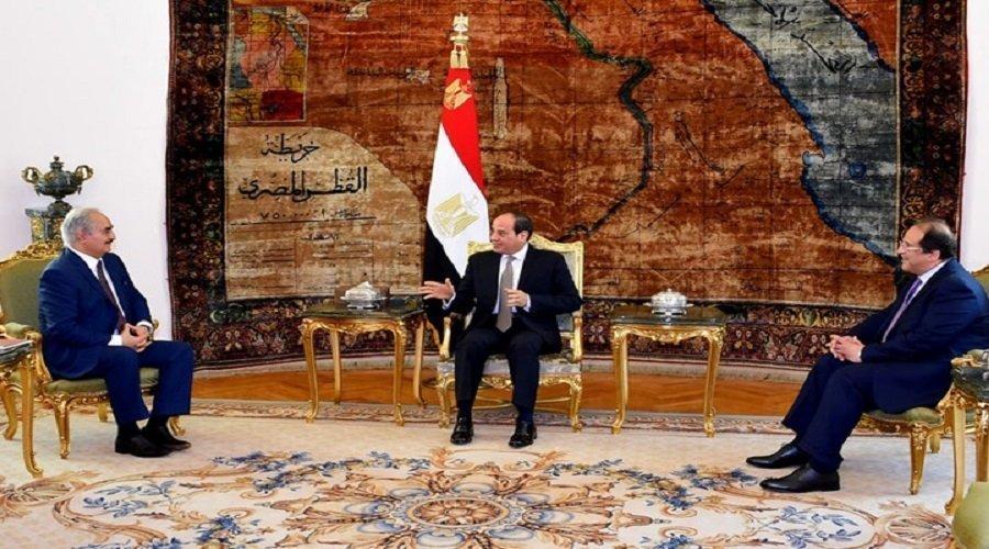 """تجاهل نظام السيسي لاتفاق """"الصخيرات"""" في حل أزمة ليبيا يخلق الجدل"""