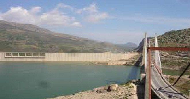"""وقف تسرب مياه """"الواد الحار"""" لسد سيدي محمد بن عبد الله يستنفر وزارة الماء وجهة الرباط"""