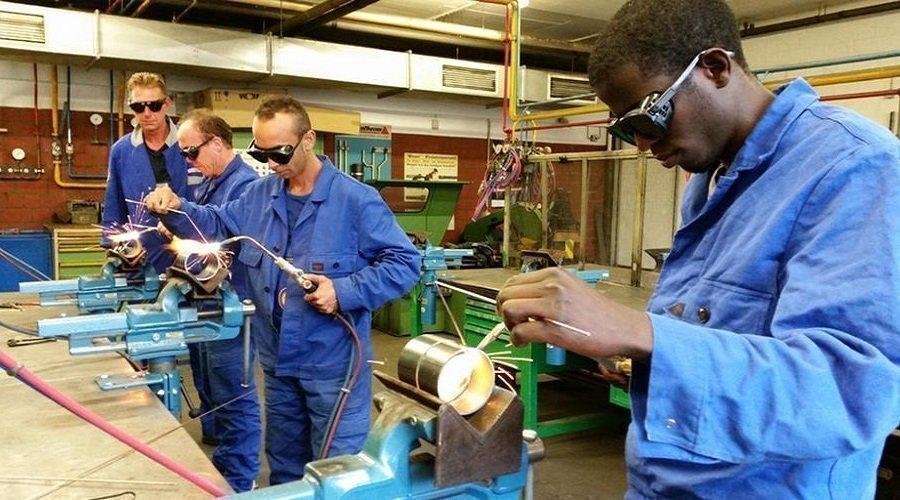 ألمانيا تبحث عن 50 ألف عامل من خارج الاتحاد الأوروبي