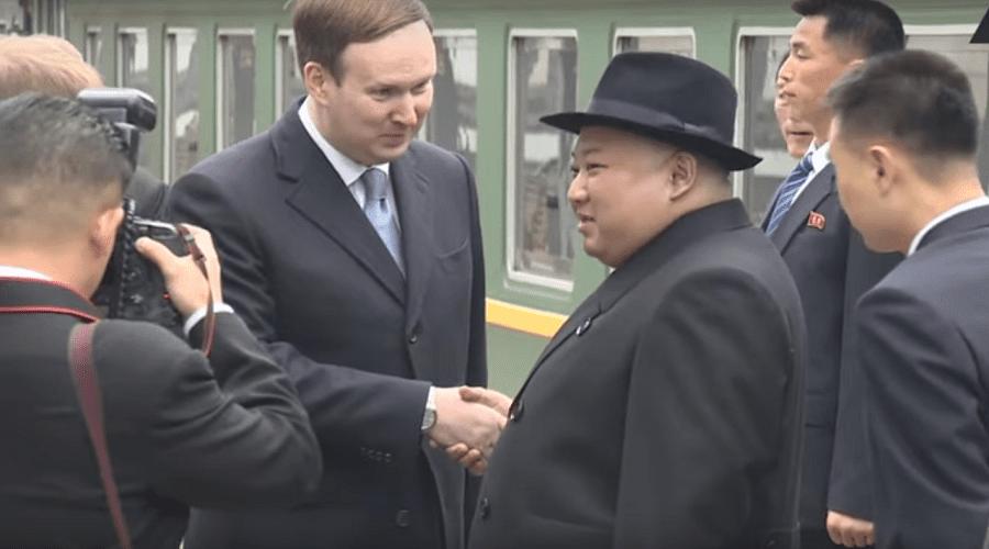 بالفيديو.. زعيم كوريا الشمالية يصل إلى روسيا عبر قطار مصفح قبل لقاء بوتين