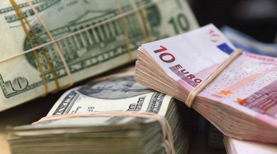 البنوك لم تستخدم احتياطات الدولة من العملة رغم الأزمة الحالية