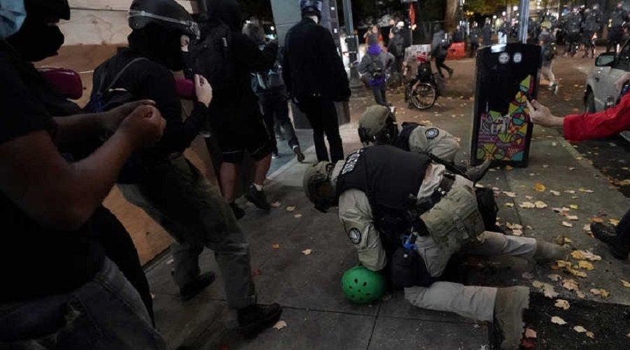 الشرطة الأمريكية تعتقل العشرات في أعمال عنف ليلة الانتخابات